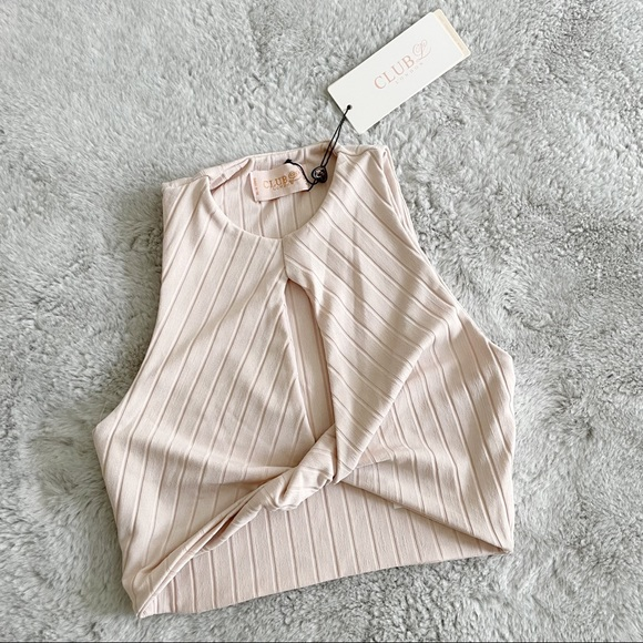 NWT ASOS Knot Front Keyhole Crop Top Size 2